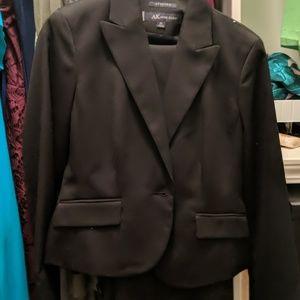 ANNE KLEIN: Pant Suit